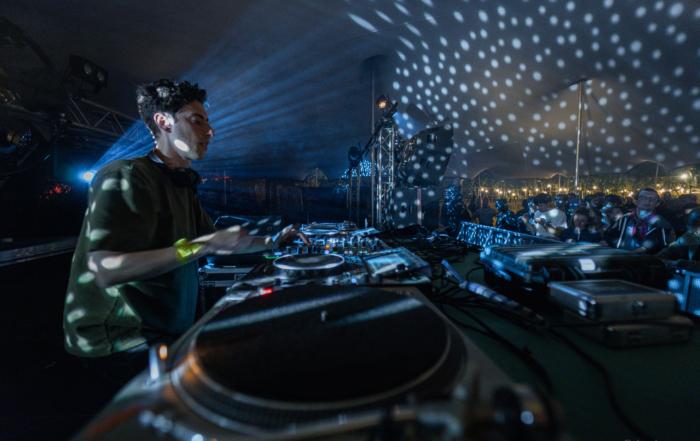 [INTERVIEW] Eliott Litrowski : «Ce sont les synthés qui vont me guider!»